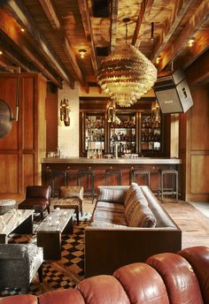 An eclectic hotspot on New York City's Lower East Side has visions of stay-cation dancing in our heads - Ludlow hotel