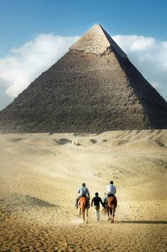Towards the Great Pyramid, Giza, Egypt (by...