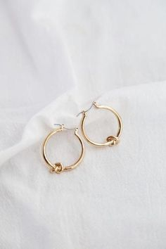 In gold on request 925 silver with gold plating. - Nose Piercing - The Best Jewelry Gift Ideas for the Holidays Keep Jewelry, Simple Jewelry, Cute Jewelry, Gold Jewelry, Jewelry Box, Vintage Jewelry, Jewelry Accessories, Jewlery, Women Jewelry