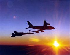 KC-135 refuels an SR-71