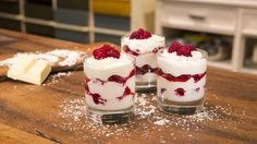 Mascarpone-Himbeerquark Mascarpone – raspberry – quark, a very delicious recipe in the category creams. Mini Desserts, Low Carb Desserts, Easy Desserts, Dessert Recipes, Dessert Simple, Cake Mascarpone, Brunch, Eat Dessert First, Cupcakes