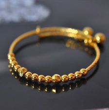 Fulfill a Wedding Tradition with Estate Bridal Jewelry Gold Bangles Design, Gold Earrings Designs, Gold Jewellery Design, Gold Jewelry, Jewlery, Baby Jewelry, Bridal Jewelry, Gold Bracelet For Women, Beautiful