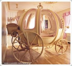 Your little girls can feel like real princesses, even if only in their dreams, with princess bunk beds for kids. These fairy tale inspired beds exude charm and femininity. Cinderella Carriage Bed, Cinderella Room, Princess Carriage, Cinderella Princess, Princess Bunk Beds, Princess Bedrooms, Princess Room, Awesome Bedrooms, Cool Rooms