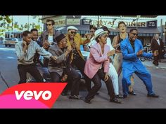 In uptown funk Mark Ronson ft Bruno Mars Official Video. In this video Bruno Mars had look just like Michael Jackson Music Love, Love Songs, Music Is Life, Good Music, My Music, Mark Ronson, The Kooks, Stevie Wonder, Funky Town
