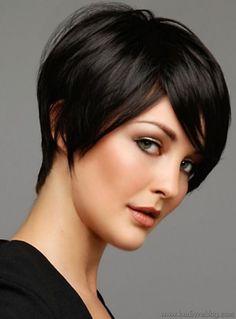 Yuvarlak Yüz Şekline Sahip Hanımlar için Kısa Saç Modelleri