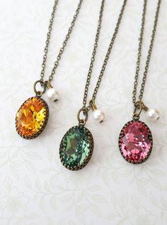 Vintage style Oval Swarovski Crystal brass necklace, Oval Stone pendant necklace, dainty vintage bridesmaid necklace, rustic countryside, www.glitzandlove.com