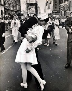 One of the most iconic pictures of love!