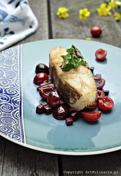 Halibut with Cherries. Halibut with cherries and young beet. (in Polish) Halibut, American Food, American Recipes, Kitchen Witch, Fish And Seafood, Beets, Seafood Recipes, Baked Potato, Cherries