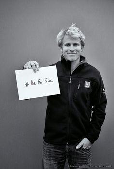 François Gabart posent pour « HeForShe » par Th Martinez   www.scanvoile.com