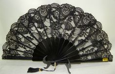 Official site for high quality flamenco supplies. Hand Held Fan, Hand Fans, Spanish Home Decor, Victorian Home Decor, Modern Fan, Vintage Fans, Flamenco Dancers, Spanish Style, Black House