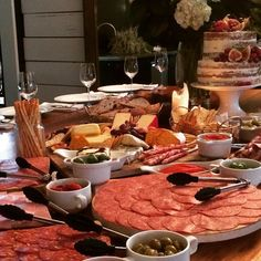 Antipasto bar and wedding cake #chefsiofnstagram #foodblog #picoftheday #bevscatering #bevscafe #followme #instadaily #iphone #events…