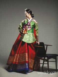 [한복화보] 자홍한복, 곱게 내려앉은 자연의 빛깔  Daum라이프