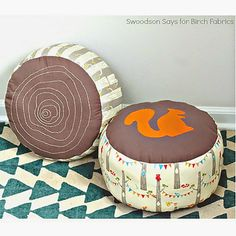 PDF Pattern | Log Slice Pouf from Birch. Like the tree rings. Cute for boys room!  Try this link for direct pdf: http://birchfabrics.blogspot.com/2015/02/free-pdf-pattern-log-slice-pouf-by.html?m=1
