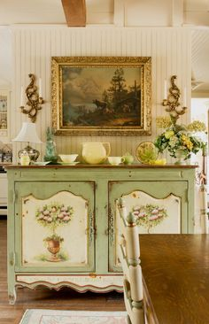 Kitchen at Golden Hill. Hand painted Habersham buffet.