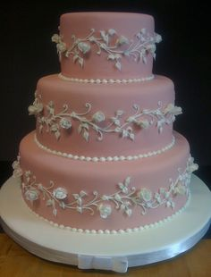 Pink Wedgewood | Pink fondant with gumpaste rosebuds and royal icing piping