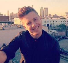 Ryan Tedder taking a selfie