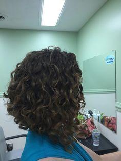 Long Curly Bob Haircut, Haircuts For Curly Hair, Curly Hair Cuts, Curly Hair Styles, Medium Curly Bob, Curly Inverted Bob, Inverted Bob Hairstyles, Very Long Bob, Natural Wavy Hair