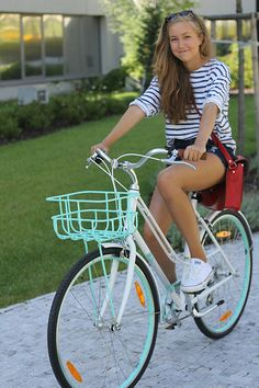 T Shirt Zara, Shorts Romwe, Bag Romwe, Converse Sarenza,Eu, Bicycle Giant  Fun and preppy yet still chic for summer.