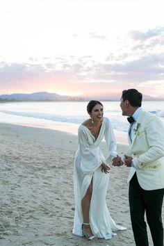 Dream Wedding Dresses, Bridal Dresses, Elopement Wedding Dresses, Wedding Goals, Wedding Day, Party Wedding, Wedding Dreams, Wedding Couples, Wedding Ring