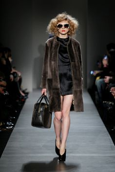 in LOVE with this Marc by Marc Jacobs coat. Perfect Fall coat.