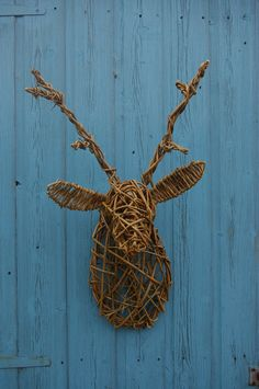 Willow sculpted stag head, designed by Sarah Gallagher-Hayes
