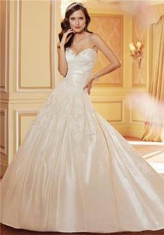 Taffeta & lace ballgown with sweetheart neckline // Y11421 from Sophia Tolli