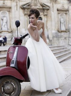 Pretty in white. http://rentinrome.com/wedding-rome.html