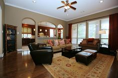 1726 RAVENEL. Family room (18x20) is open to kitchen. Bernstein Realty, Houston Real Estate.