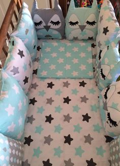 These baby blue and gray owl baby crib bumpers are so adorable Baby Cot Bumper, Baby Crib Bumpers, Baby Crib Bedding Sets, Baby Pillows, Baby Cribs, Newborn Bed, Baby Barn, Baby Sheets, Kit Bebe