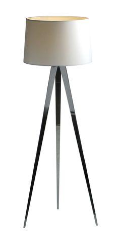 Lampa podłogowa TRIPOD II to nowość w ofercie Zuma Line. Połączenie klasyki z nowoczesnością spodoba się wszystkim tym, którzy szukają nie tylko źródła światła, ale także doskonałej dekoracji do swojego pokoju.