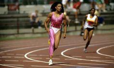 """Avec ses trois titres olympiques gagnés à Séoul en 1988, Florence Griffith-Joyner n'a pas le palmarès le plus fourni de l'histoire, mais elle détient les deux records les plus prestigieux de l'athlétisme, ceux du 100m (10""""49) et du 200m (21""""34)."""
