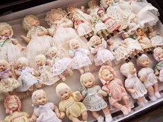 ❤ omg what a precious collection of dollies!