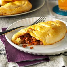 Meaty Sloppy Joe Pockets Recipe -Its easy to turn sloppy joes into hearty hot pocket snacks. I make the filling ahead and use refrigerated biscuits. I time them so theyre done baking just before kickoff. Copycat Recipes, Meat Recipes, Dinner Recipes, Cooking Recipes, Hamburger Recipes, Hamburger Dishes, Recipies, Lamb Recipes, Sandwich Recipes