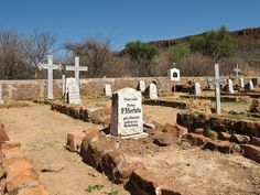 Deutscher Friedhof am Waterberg (Namibia), via Flickr. West Africa, Mount Rushmore, German, Mountains, Places, Nature, Travel, Horseback Riding, History
