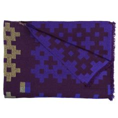 Hayn upea Plus-viltti on 100 % villaa. Reilunkokoisessa viltissä on geometrinen kuvio ja kauniit värit.
