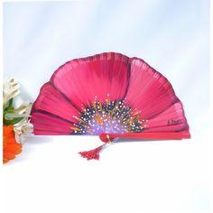 Abanico de diseño pintado a mano Antique Fans, Vintage Fans, Hand Held Fan, Hand Fans, Chinese Fans, Umbrellas Parasols, Parchment Craft, Paper Fans, Pretty Hands