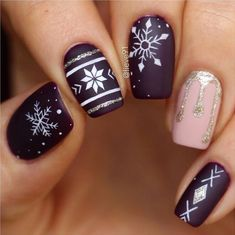 48 popular ideas for Christmas nail designs in 2018 –.- 48 Popular Ideas for Christmas Nail Designs in 2018 – Catherine Pamer – # for Nail Designs – 48 Popular Ideas for Christmas Nail Designs in 2018 – Catherine Pamer - Cute Christmas Nails, Xmas Nails, Christmas Nail Art Designs, Winter Nail Designs, Holiday Nails, Christmas Patterns, Christmas Manicure, Holiday Mood, Christmas Makeup