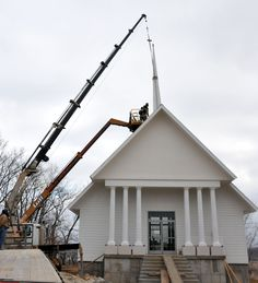 The #MoNationalGuard Resiliency center's steeple was recently added. The center overlooks the Missouri River from the bluffs of the @Missouri_NG headquarters and will include a nondenominational chapel area. The Center will be the heart of the Pillars of Resiliency.