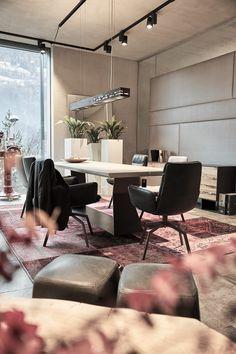 #wohnzimmer #esszimmer #esstisch #einrichtung #interiordesign #raumgestaltung #elegant #klassisch Interiordesign, Elegant, Conference Room, Table, Furniture, Home Decor, Carpentry, Room Interior Design, Minimalist