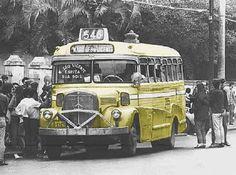 Mercedes Benz bus - Ponto na Marques de São Vicente, em frente a PUC anos 1970.