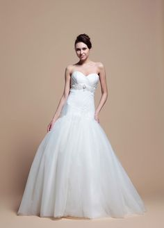 Sweetheart With Dropped Waist Fashion Wedding Dress