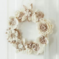 crochet flower wreath inspiration NO PATTERN IN ENGLISH