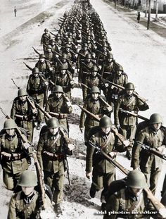 A Great Piece Of War Footage History : Invasion Of Poland By The German Army (Pictures and Video) Nagasaki, Hiroshima, Poland Ww2, Invasion Of Poland, Fukushima, World History, World War Ii, Teaching American History, Man Of War