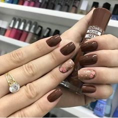 Squoval nails are same as square nails that have oval edges. Explore the trendiest squoval nail designs handpicked just for you. Brown Nail Art, Brown Nails, Toe Nail Color, Fall Nail Colors, Pastel Colors, Red Nail, Square Nail Designs, Nail Art Designs, Nails Design