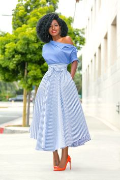 28 Amazingly Attractive Classy Skirt Ideas For You : Start From Today. how you will be able to look youself classy through your favorite dress type, you will be able to know studying our articles regularly. Elegant Outfit, Classy Dress, Classy Outfits, Stylish Outfits, Classy Chic, African Print Fashion, African Fashion Dresses, African Dress, Modest Fashion