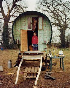 Caravan Gypsy Vardo Wagon: A wagon. Gypsy Trailer, Gypsy Caravan, Gypsy Wagon, Gypsy Home, Bohemian Gypsy, Gypsy Style, Hippie Chic, Bohemian Style, Gypsy Punk