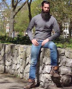 for men who love long bearded men Epic Beard, Full Beard, Great Beards, Awesome Beards, Beard Styles For Men, Hair And Beard Styles, Mode Masculine, Hairy Men, Bearded Men