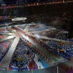 Closing ceremony of the Olympic Games 2012. Fantastic. http://alcoholicshare.org/