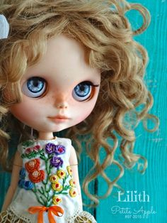 Lilith custom Blythe Doll by Marina, Petite Apple