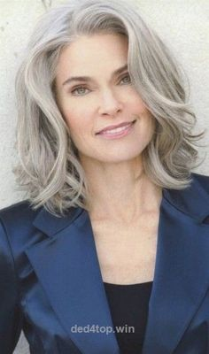 50 Short And Stylish Hairstyles For Women Over 50